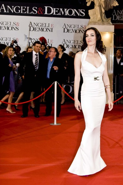 Ayelet Zurer in Elizabeth Mason Couture white silk gown at the Angels and Demons World Premiere in Rome, Monday, May 4th. 2009