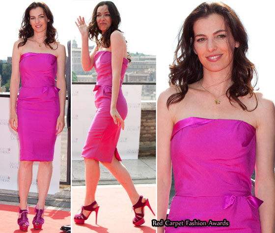 Ayelet Zurer in Elizabeth Mason Couture Pink Silk Dress at The Photo Call For Angels and Demons, Rome